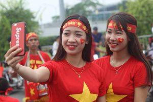 Cung cấp sỉ – lẻ băng rôn cổ vũ bóng đá phục vụ Chung kết Sea Games 30 Việt Nam – Indonesia
